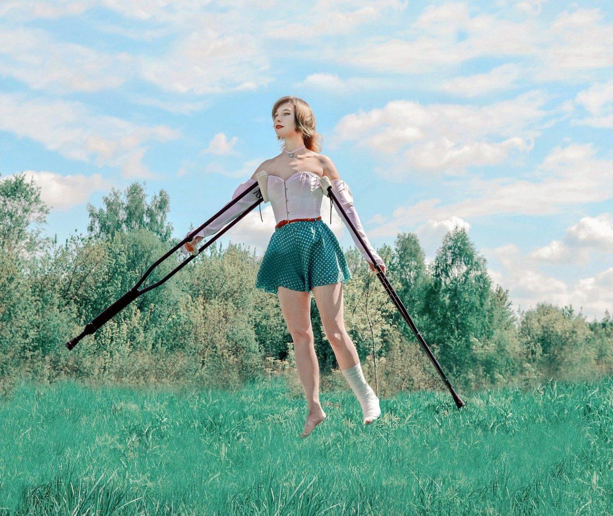 crutches 5235839 1280